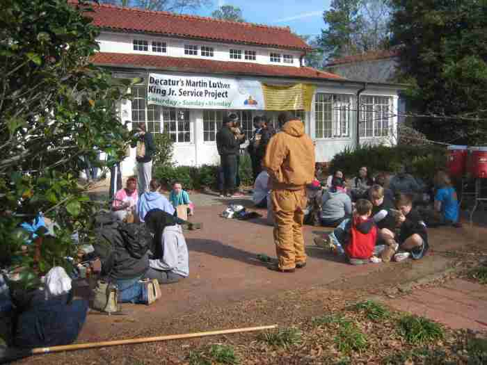 Photo from this year's MLK Service Project. Source: http://www.mlkserviceproject.com/