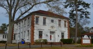 Scottish Rite Children's Hospital building in Oakhurst. Photo from Adams Commercial Real Estate.